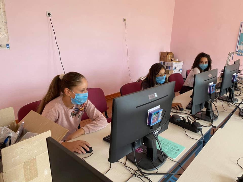Արցախի Արմաթ Ինժեներական լաբորատորիաները վերսկսել են դասերը դպրոցներում
