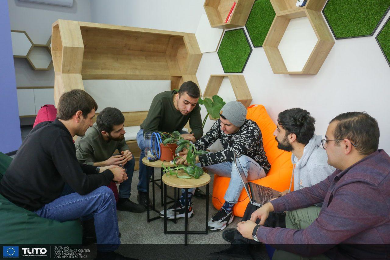 Թումո լաբերի և ՀԱԱՀ-ի ուսանողներին հաջողվել է ստեղծել բույսերի ջրման ավտամատացված համակարգ