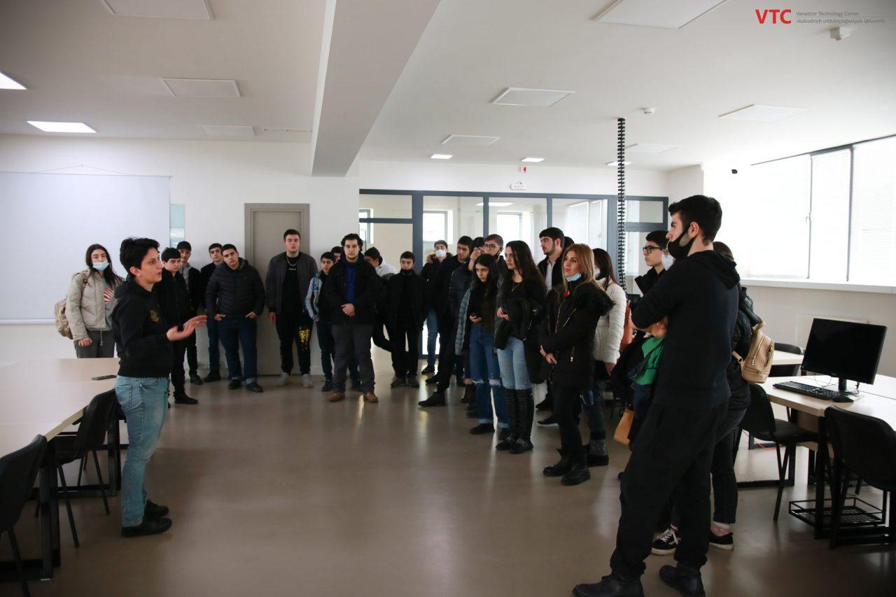 Եվրասիա ավագ դպրոց-վարժարանի ՏՏ հոսքի սաներն այցելել են Վանաձորի տեխնոլոգիական կենտրոն